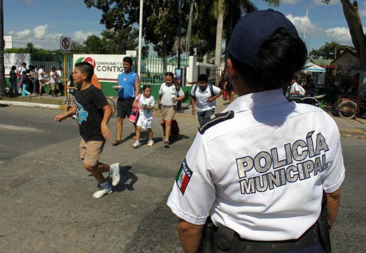 Generar mayor confianza por parte de la ciudadanía hacía sus policías es la misión permanente de la policía municipal. (Francisco Sansores/SIPSE)
