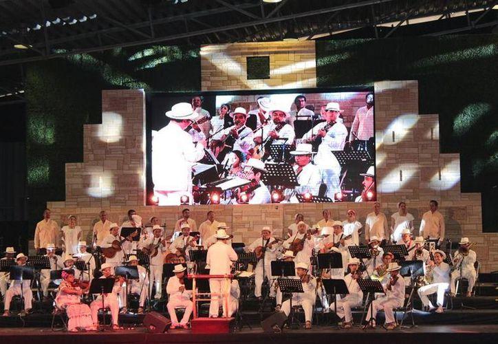La música de Yucatán, que incluyó a la Orquesta Típica Yukalpetén, envolvió a los asistentes a la Semana de Yucatán en México. (Foto cortesía)