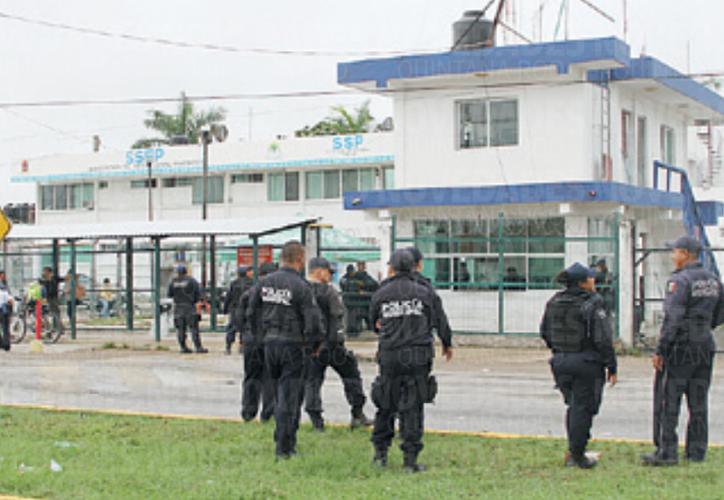Según la encuesta, hay dos mil 104 casos de detenciones en los que la policía no se identificó. (Foto: Joel Zamora/SIPSE).