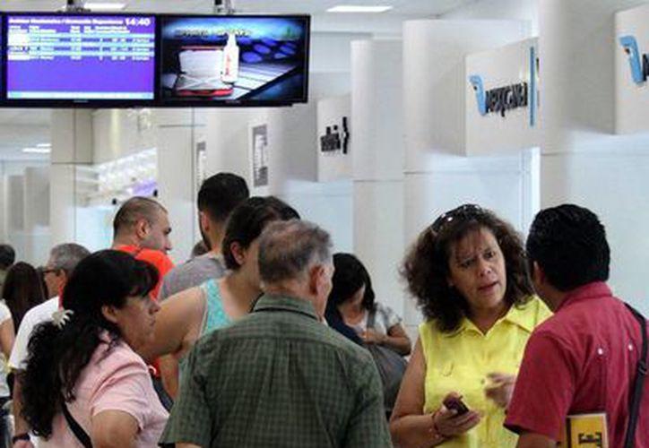 Muchos de los paquetes que se ofrecen en la red están abajo de los precios reales, lo que resulta en engaño al consumidor. (Sergio Orozco/SIPSE)