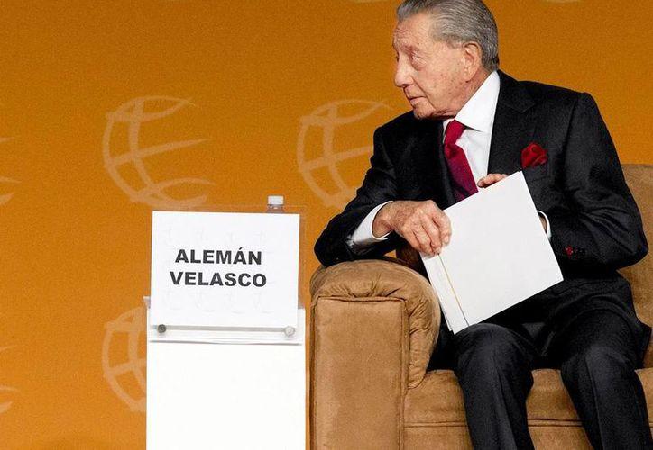 El empresario Miguel Alemán Velasco en la clausura de la cumbre de negocios. (Milenio)