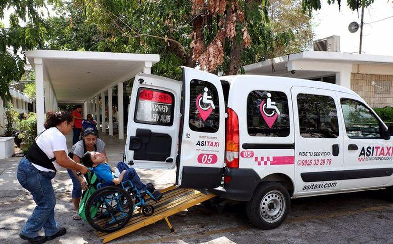 Programa de taxi para personas con discapacidad le cambia la