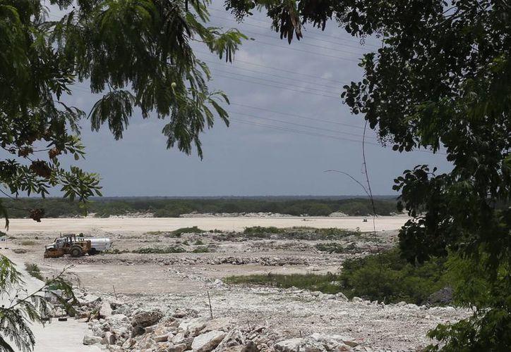 """Las obras continúan paralizadas en el predio """"El Tucán"""". (Israel Leal/SIPSE)"""