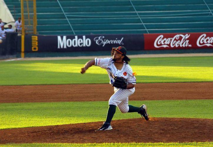 El venezolano Ramón Ramírez lanzó 5 entradas para apuntarse su primer éxito de la campaña. (SIPSE)