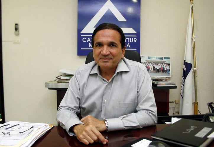 Jose López Campos, de la Canaco, dijo que los empresarios están comprometidos con la educación. (Milenio Novedades)
