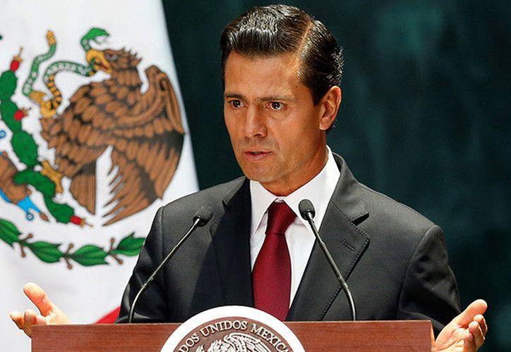 El presidente de México, Enrique Peña Nieto, recibió críticas y burlas por un tuit en el que dio la bienvenida a Twitter a Malala. (RT)