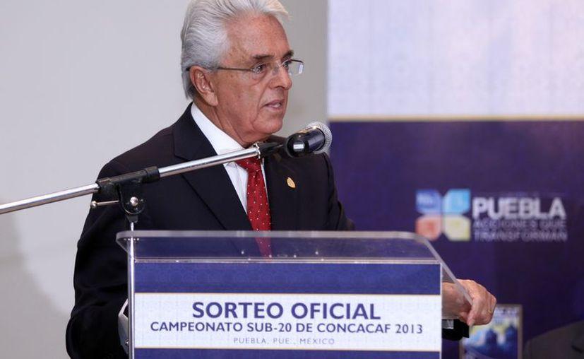 Justino Compeán, presidente de la FMF, resaltó el apoyo brindado al 'Flaco' Tena a pesar de resultados adversos. (Archivo Notimex)