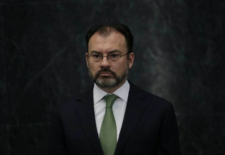 Videgaray dijo que la relación con el nuevo gobierno de Estados Unidos no va a estar sustentada en el choque o en el insulto. (AP/Marco Ugarte)