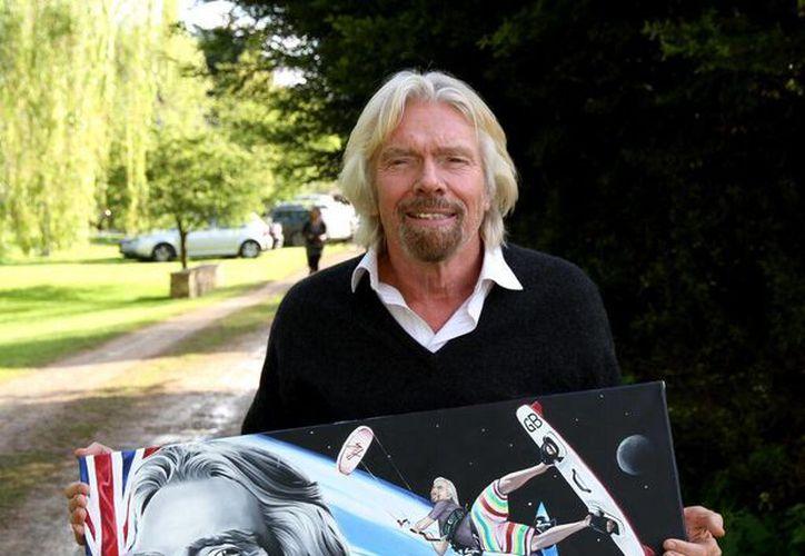 Branson dijo que su empresa de viajes espaciales, Virgin Galactic, aceptó ya su primera compra con Bitcóin. (@richardbranson)