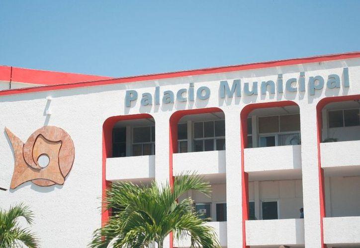 Continuará el Cabildo en busca de malos directores, identificar irregularidades e imponer sanciones administrativas. (Enrique Mena/SIPSE)