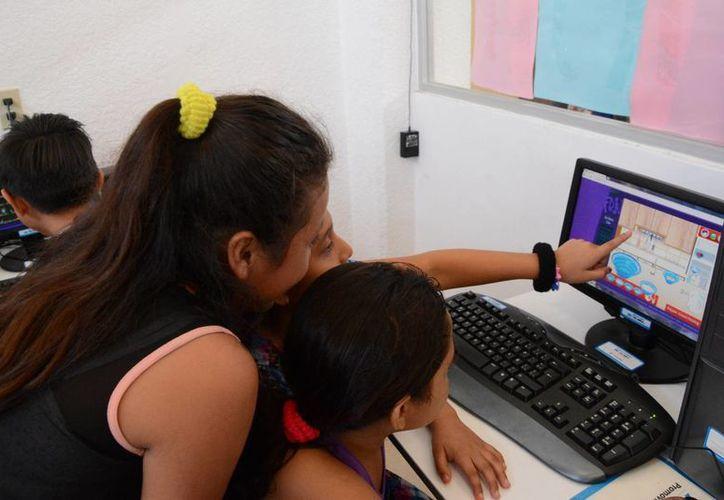 """Para quienes quieran mejorar su redacción, de septiembre a diciembre se ofrece un curso en línea titulado """"Redacción para todos"""". (Victoria González/SIPSE)"""