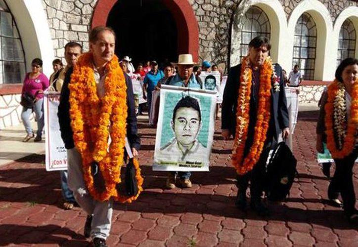 Entregarán el informe que realizaron a papás de los 43 normalistas desaparecidos. (Rogelio Agustín/Milenio)