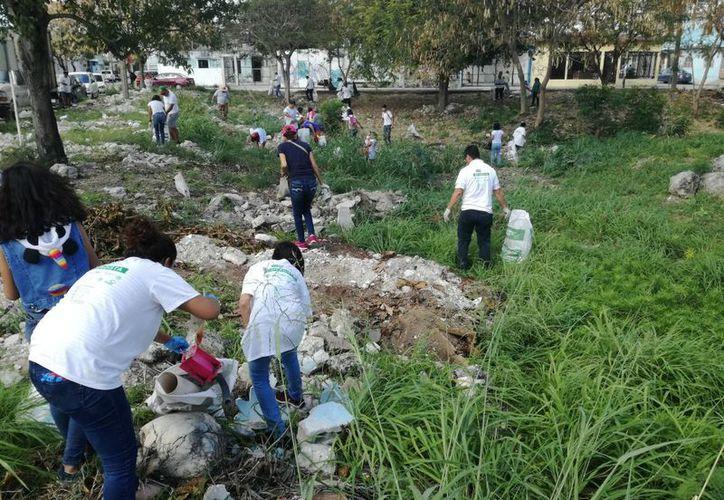 Niños y padres de familia participaron activamente en el programa. (Israel Leal/SIPSE)