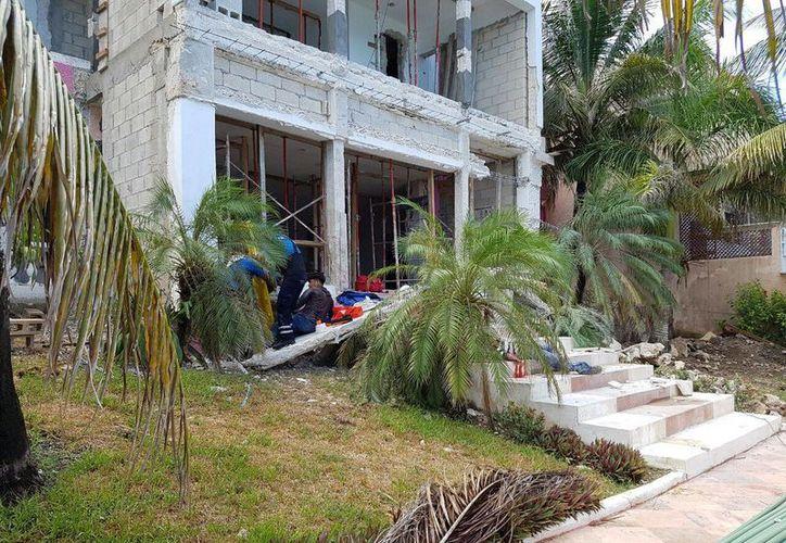 Un trabajador de la construcción falleció al derrumbarse una pared de la construcción en donde laboraba, en Cozumel. (Irving Canul/SIPSE)