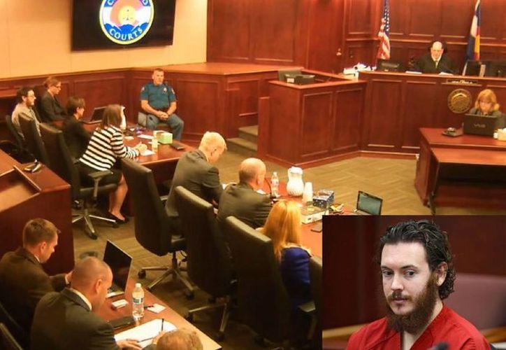 Imagen de la deliberación del jurado, el 7 de agosto de 2015, mismo que había rechazado el argumento de la defensa de James Holmes (recuadro) sobre su enfermedad mental. (AP)