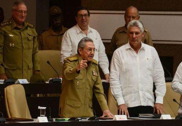 El sucesor de Raúl Castro deberá ser elegido en febrero por la cúpula cubana. (Foto: Milenio)