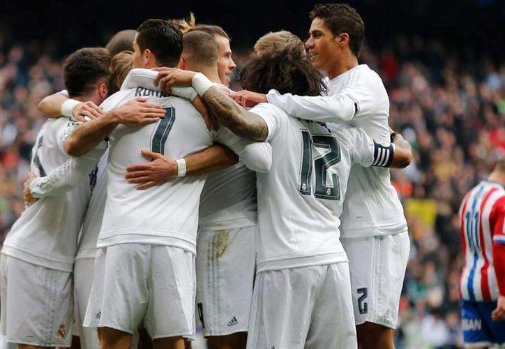 Real Madrid 'destrozó' al Sporting de Gijón en el segundo partido de la era Zinedine Zidane como director técnico merengue. (facebook.com/RealMadrid)