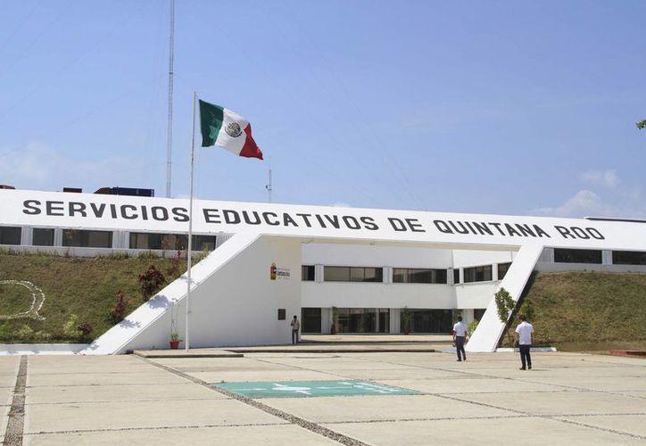 Servicios Educativos de Quintana Roo (SEQ) dio a conocer que los pagos ya se realizaron y que es situación de la Consar. (Harold Alcocer/SIPSE)