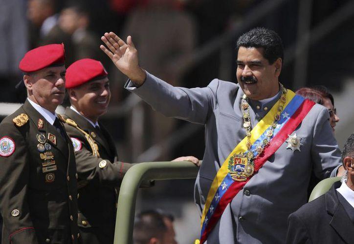 Nicolás Maduro no ha dejado en claro aún si se presentará a una reelección en 2018. (AP/Fernando Llano)