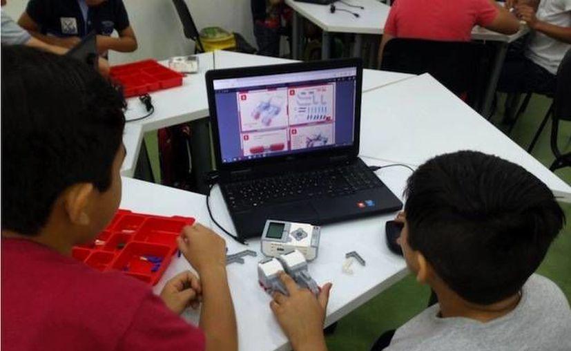 Estudiantes del Cobay competirán en un torneo internacional con un robot capaz de realizar rescates en desastres naturales. (Milenio Novedades)
