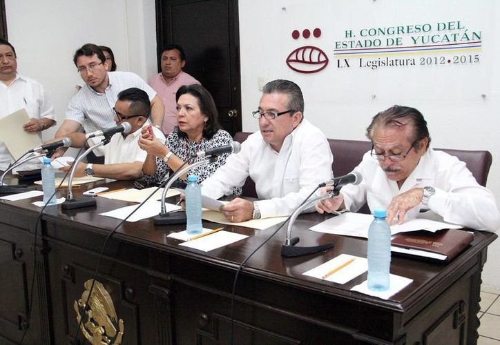 Imagen de los integrantes de la Comisión de Presupuesto. Gonzalo Escalante, dijo que precisamente la labor del órgano legislativo que preside es para conocer, analizar y discutir cada petición. (Milenio Novedades)