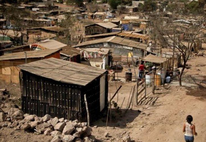 De acuerdo con la Cepal, en México, la riqueza de las 10 personas más adineradas, equivale a los ingresos de la mitad de los habitantes más pobres. (Cuartoscuro)