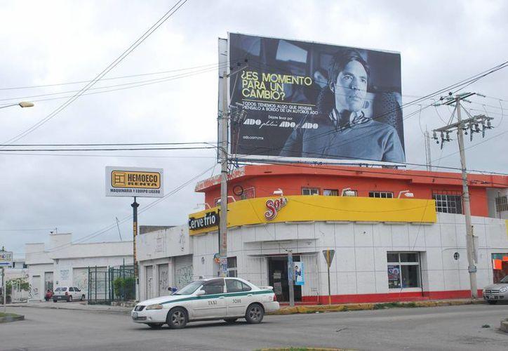 La reforma pretende regular a los publicistas o la publicidad de terceros. (Tomás Álvarez/SIPSE)