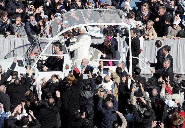 El Papa aseguró que no regresará a la vida privada a pesar de su renuncia. (Foto: EFE)
