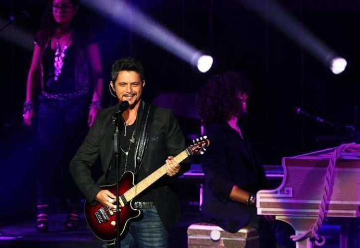 'This game is over', que interpreta Sanz con Sandé y Foxx, fue grabada entre Miami, Londres y Madrid. (alejandrosanz.com)