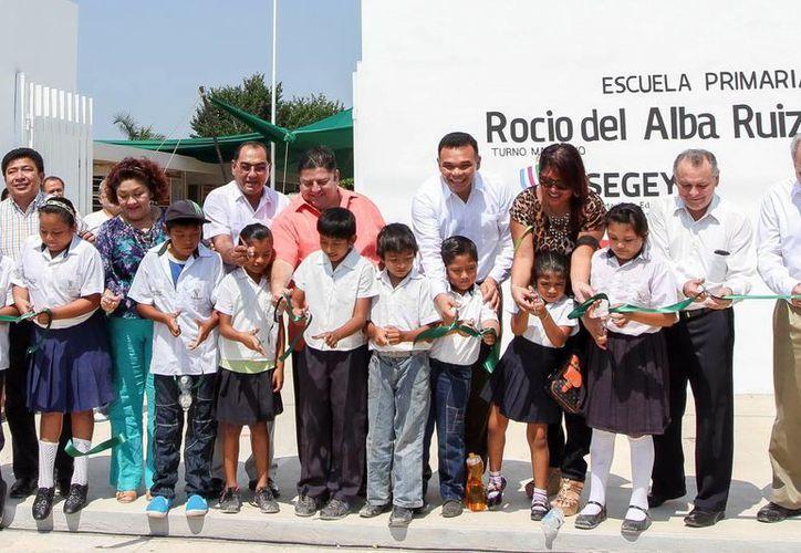 Momento de la inauguración del nuevo plantel, ubicado en la colonia Dzununcán. (Milenio Novedades)