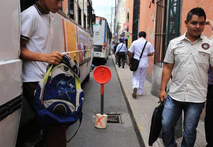 En el Centro Histórico hay unas dos mil 500 rejillas de la red de alcantarillado que presentan problemas de obstrucción. (Milenio Novedades)