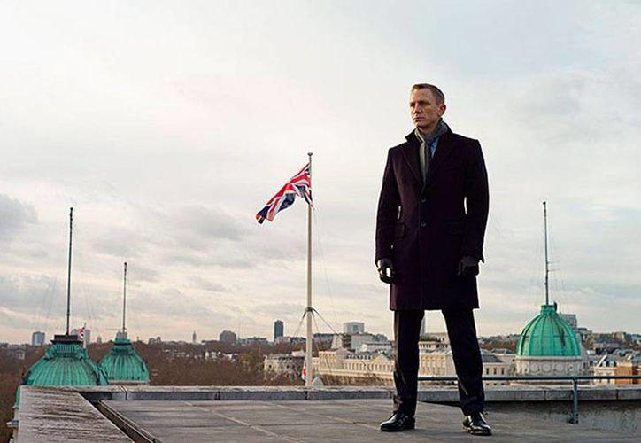 Imagen de archivo de Daniel Craig en una escena de Skyfall. El actor estará próximamente en Roma, en donde se filmará la nueva película del agente secreto James Bond. (007.com)