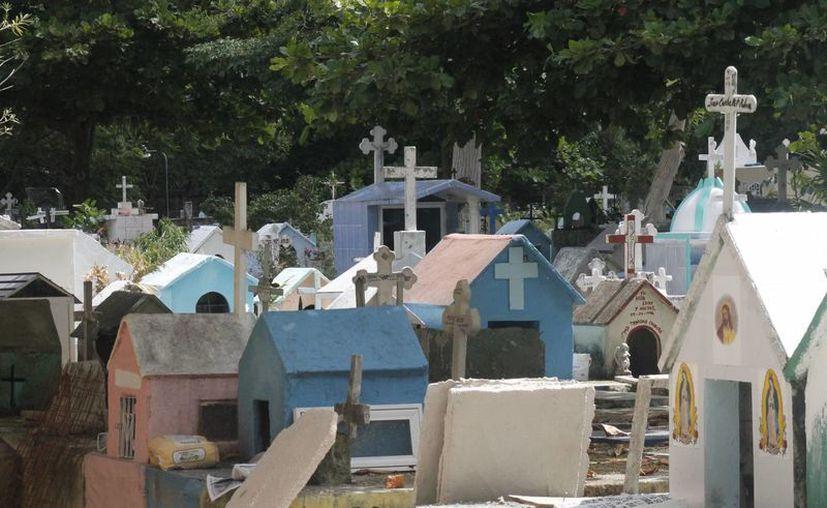 """El Panteón Municipal """"Los Olivos"""" se ubica en la Región 99. (Israel Leal/SIPSE)"""