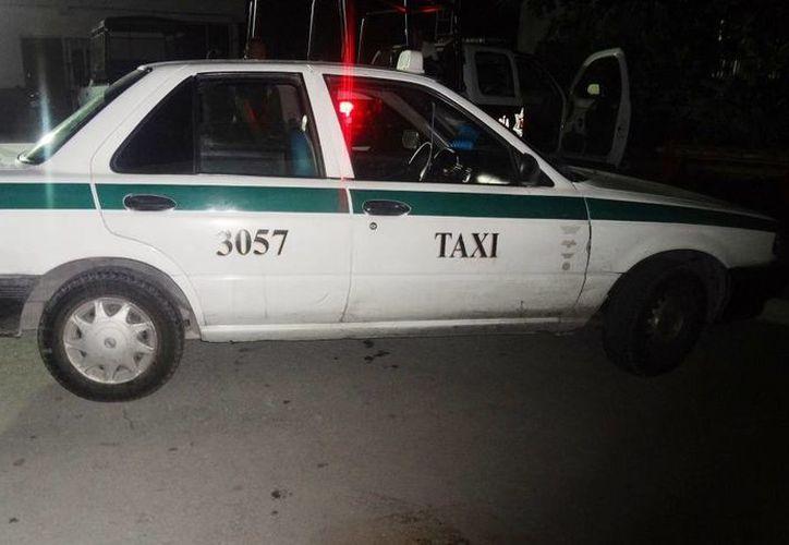 El taxista fue detenido y puesto a disposición de las autoridades correspondientes. (Redacción/SIPSE)