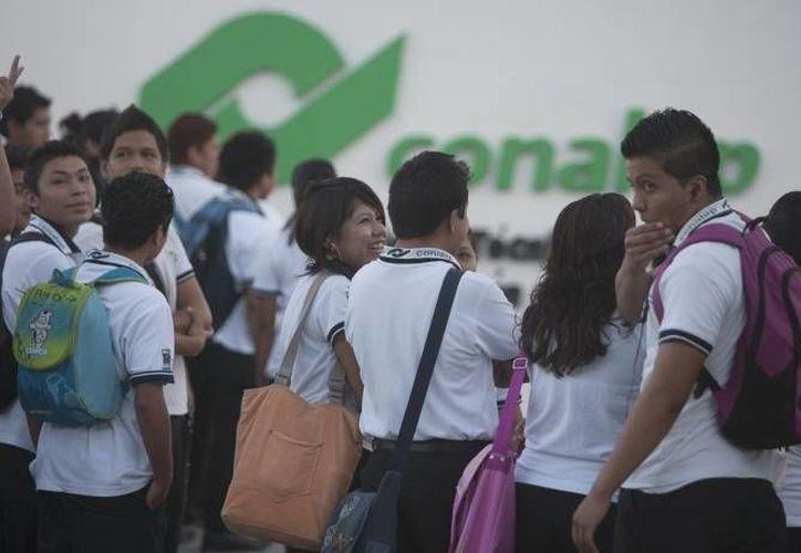 Actualmente la demanda de espacios educativos sobrepasa la oferta del estado. (Archivo/SIPSE)
