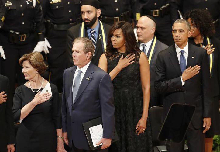 Al acto de homenaje acudió también el expresidente republicano George W. Bush. (AP)