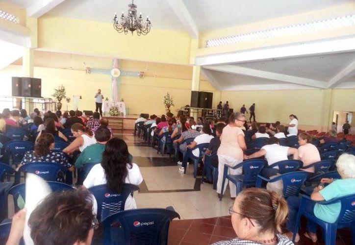 Los fieles participaron en el Congreso Mariano que ayer concluyó. (Jorge Acosta/Milenio Novedades)