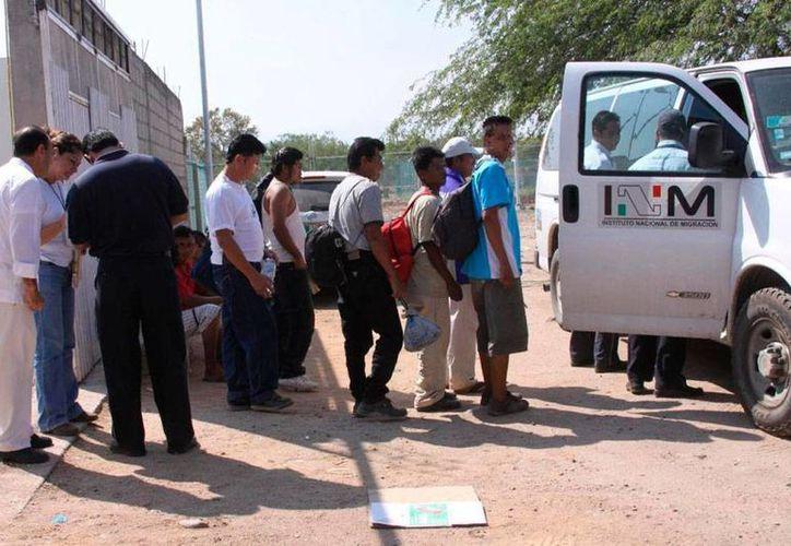 Los indocumentados hondureños fueron puestos a disposición del Instituto Nacional de Migración. La imagen es de archivo (noticiasmexico.lainformacion.com)