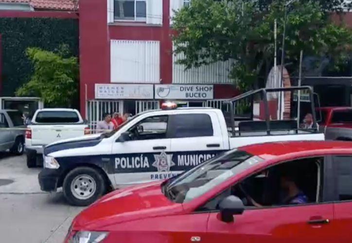 Autoridades municipales arribaron al lugar de los hechos. (Eric Galindo/ SIPSE)