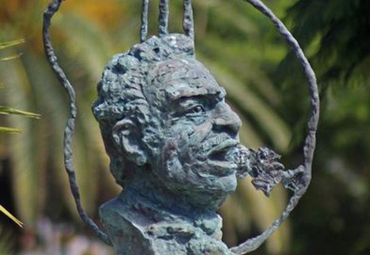 La obra es una donación del escultor ruso, quien dejó otras dos obras para los mexicanos en Cancún. (Foto: Jesús Tijerina/SIPSE).