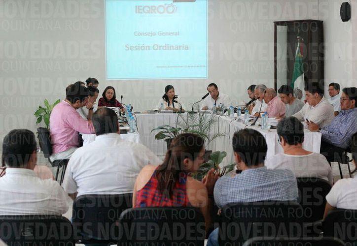 Mayra San Román Carrillo Medina, presidenta del Ieqroo, comparecerá junto con Luis Alberto Alcocer Anguiano y Adrián Amílcar Sauri Escamilla. (Joel Zamora/SIPSE)