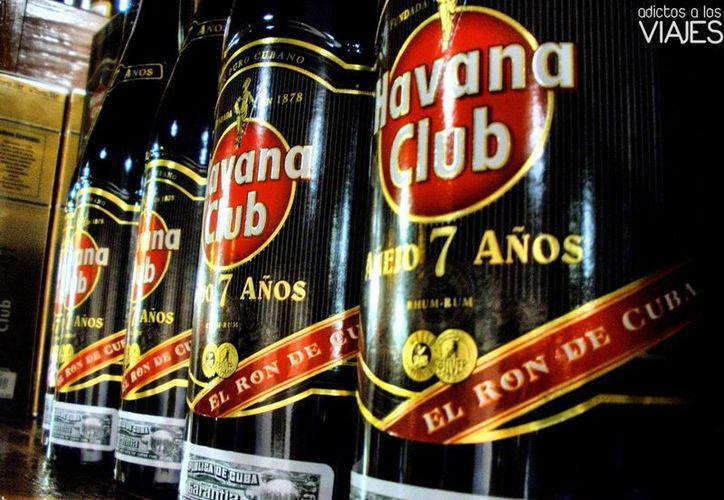 En caso de aceptar la forma de pago, el país checo tendrá suficiente ron cubano para todo un siglo. (Agencias)