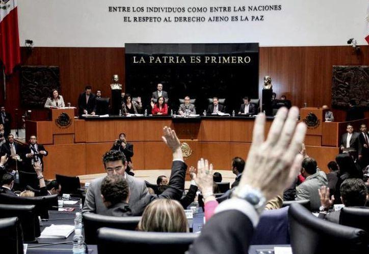 Ante las marcadas diferencias se espera que esta mañana las bancadas del PAN y del PRD en el Senado salgan a fijar su postura. (Notimex/Foto de archivo)