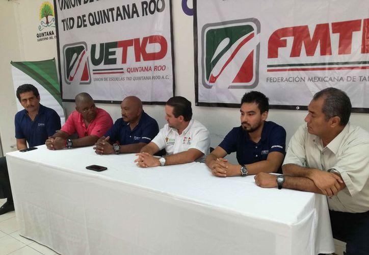Se dio a conocer el proyecto de colegio de entrenadores en conferencia de prensa. (Raúl Caballero/SIPSE)