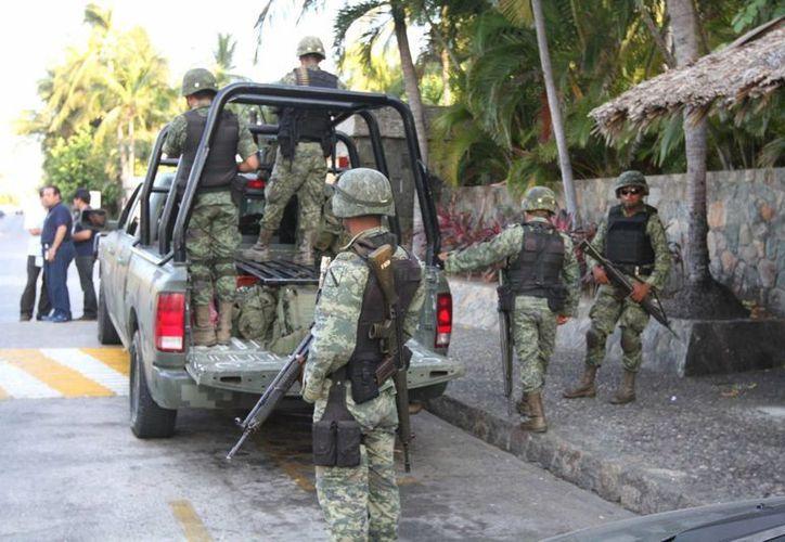 Elementos del Ejército Mexicano durante el resguardo de un hotel en Acapulco. (Archivo/Notimex)