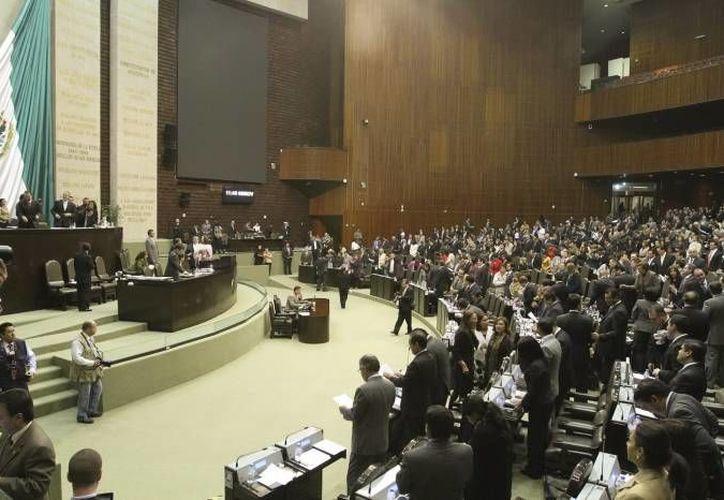 Los cambios hechos por los diputados a la Ley de Hacienda son consecuencia de las reformas federales. (Notimex/Foto de archivo)