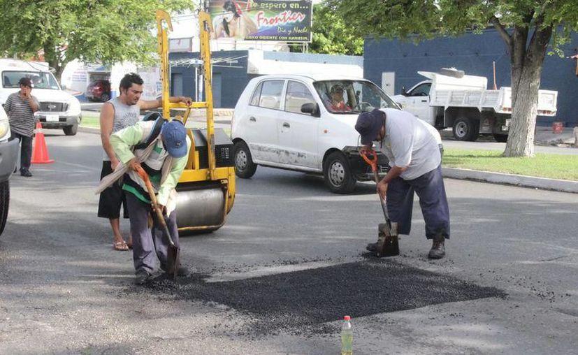 Se pretenden 'bachear' el 100% de las calles que conectan al Periférico.(Foto: Novedades Yucatán)