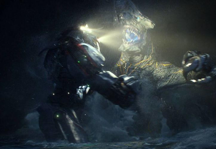 Del Toro dijo que Demián Bichir rechazó estar en el filme de ciencia ficción. (Agencias)