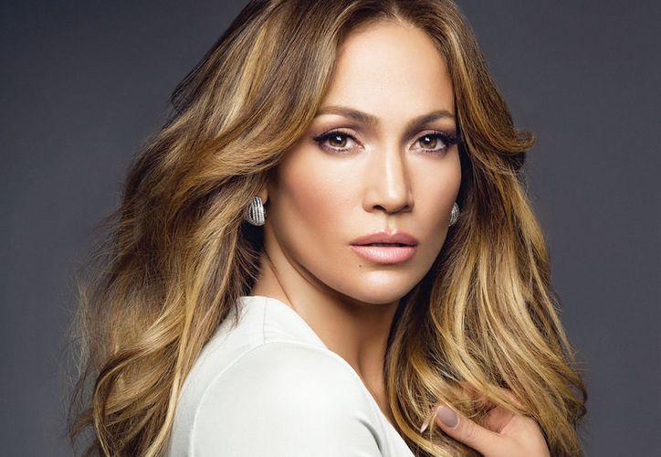La cantante actualmente mantiene una relación amorosa con el ex beisbolista Alex Rodríguez. (Contexto)