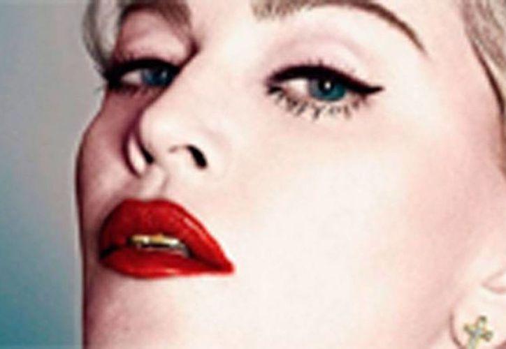 A pesar de que la cantante Madonna está fuera de la Iglesia Católica dice, sin empacho, que quiere reunirse con el Papa Francisco. (Archivo/Instagram/madonna)